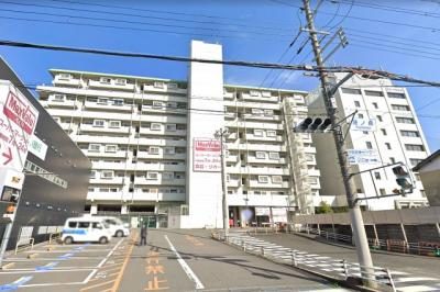 京阪・JR・近鉄3WAYアクセスだけでなく、スーパー・コンビニ・金融機関・区役所・総合病院など暮らしに必要な施設が徒歩10分以内に点在する、生活しやすいマンションです!