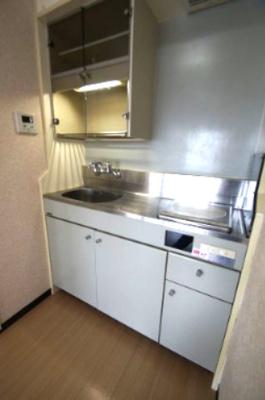 「火を使わないIHコンロのキッチン」