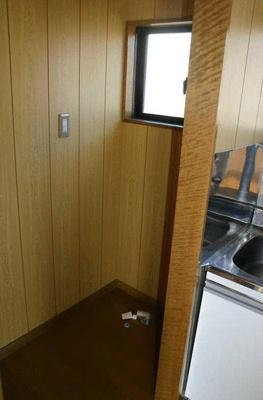 室内洗濯機置場有り。