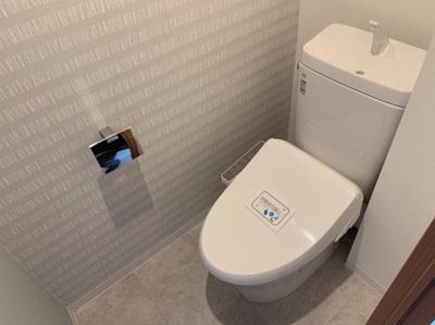 かわいいクロスが入ったトイレは嬉しいですね♪