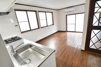 【キッチン】奥戸2丁目12戸建