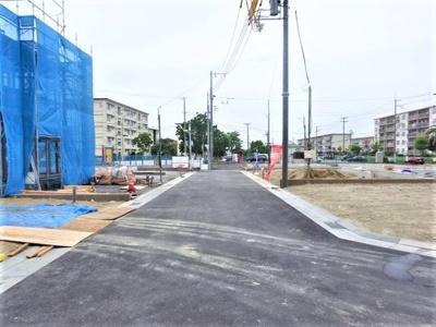 【前面道路含む現地写真】神戸市垂水区青山台5丁目 3号棟 新築戸建