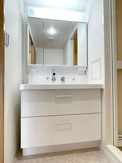 収納が充実した洗面台です!