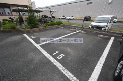 【駐車場】カーサジュネス