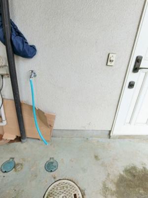玄関横洗濯機置き場