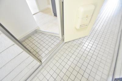 【玄関】ヨーロピアン22番館