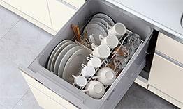 ビルトインタイプで、キッチンと同じカラーにすることにより一体感を持たせることができます。乾燥機能が備わっているため家事の時間が短縮できます。