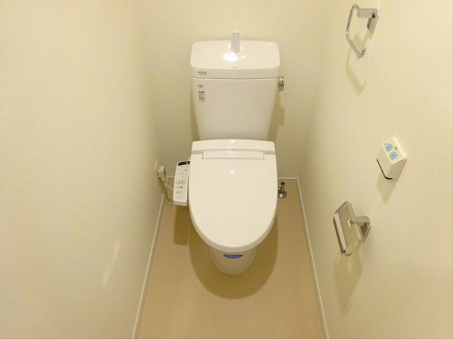 【トイレ】【明大前屈指の人気マンション】