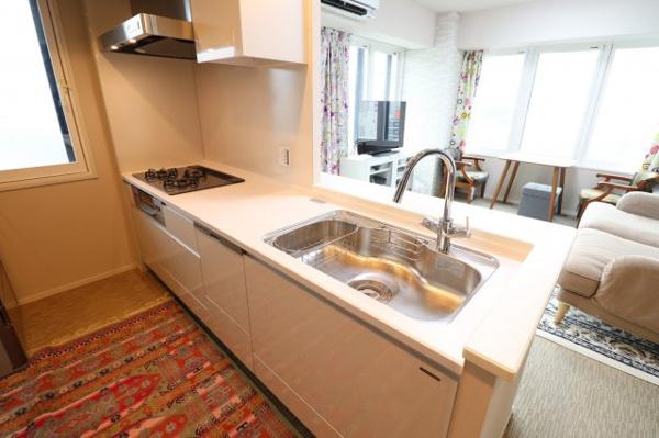 【キッチン】ディスポーザー、浄水器一体型混合水栓、食器洗い乾燥機完備!収納スペースも豊富にございます!