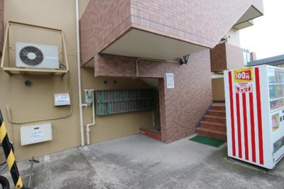 【エントランス】サニーパレス神陵台