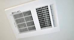 暖房換気乾燥機 入浴後の水滴や湿気を排出し、カビの発生や臭いを抑制する暖房換気乾燥機。雨の日の洗濯物にも効果的です。