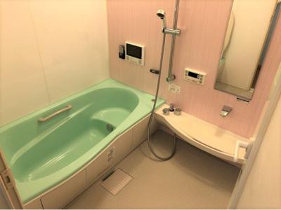 【浴室】ラシーヌ・ド・ラブーレ