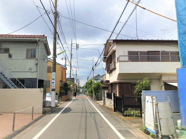 【前面道路含む現地写真】駅6分!建物105㎥の新築戸建て