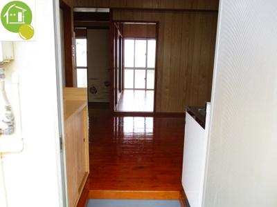【玄関】新垣アパート