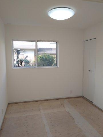 ウォシュレットトイレ。高い節電節水を実現。停電時にも水が流せる。各階についているので便利です♪