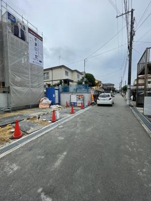 【前面道路含む現地写真】三木市志染町中自由が丘3丁目