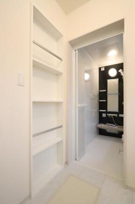 ちょっとした収納スペースも充実しています 三郷新築ナビで検索