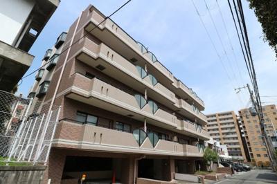 【現地写真】 鉄筋コンクリート造の16戸♪ 分譲マンション♪