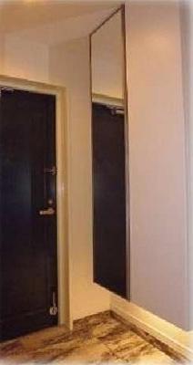 玄関収納新規取付済。