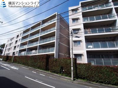 横浜市営地下鉄「三ッ沢上町」駅徒歩圏内のマンションです。