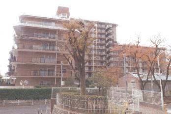 【外観】ローレルハイツ千里4号棟