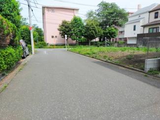 【前面道路含む現地写真】国立市富士見台1丁目 全2棟 2号棟