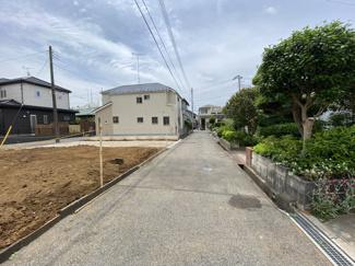前面道路は4mの私道です。外部団体による住宅性能評価書付住宅で耐震等級は最上位等級取得で安心です。