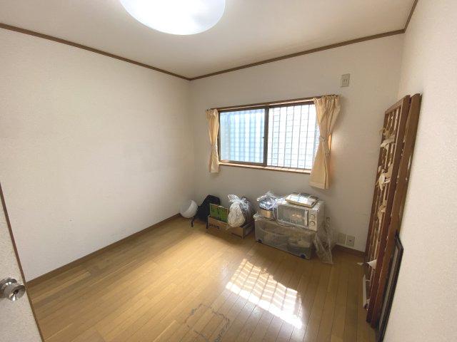 【洋室】東大阪市菱江5丁目 中古戸建 築28年