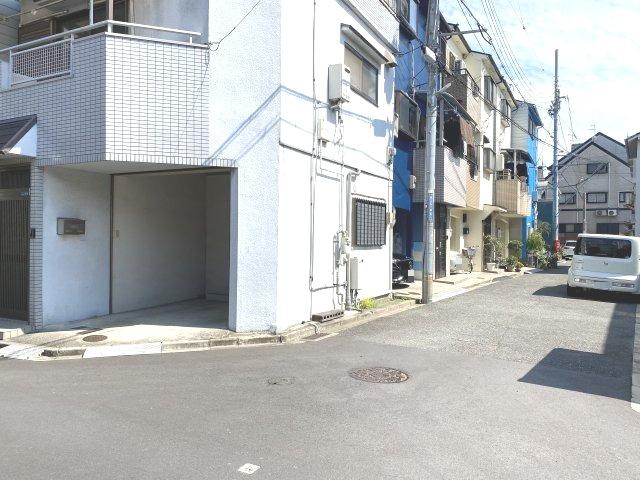 【前面道路含む現地写真】東大阪市菱江5丁目 中古戸建 築28年