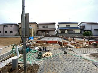 土地面積は約29.3坪から33.3坪で建物面積は約27.5坪から30坪の3LDKから4LDKです。