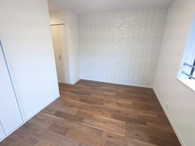 7.6帖の洋室は主寝室にいかがでしょうか。