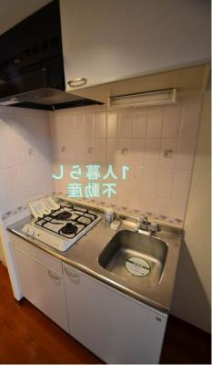 ガスコンロ2口のキッチンです。