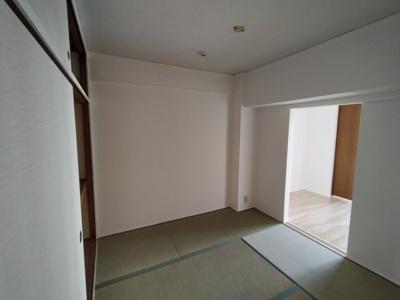 和室(4.5帖):客間にもなる和室があると便利ですね♪