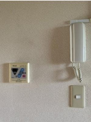 湯沸かし器、インターホン付きです