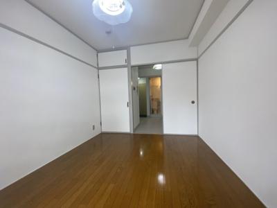 ※同タイプ505号室室内写真です。