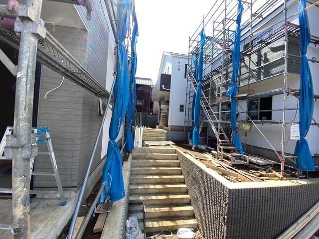 閑静な住宅街で高台に位置しますので洪水などは安心です。