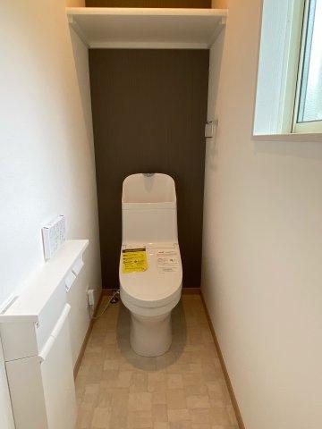 1階トイレ収納付き