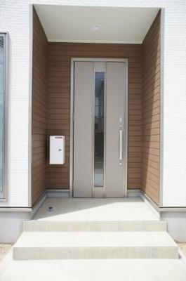 【玄関】清河寺町 平屋オール電化住宅