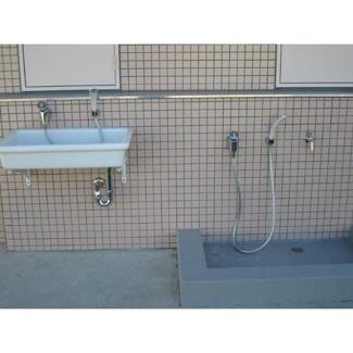 ペット足洗い場が2箇所(1階及び屋上)有