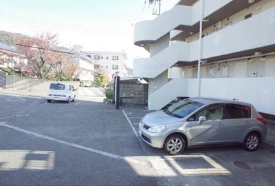 【駐車場】パラッツォ西岡本