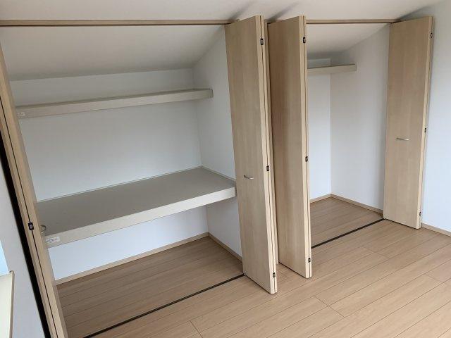 2階寝室の収納スペース