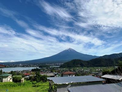 土地周辺からみた夏の富士山