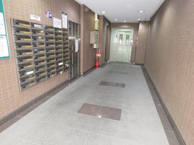 【エントランス】伊勢原六番館