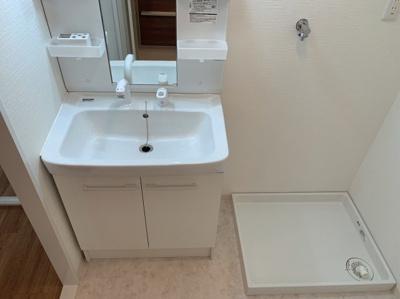 シンプルで使いやすい独立洗面台です。