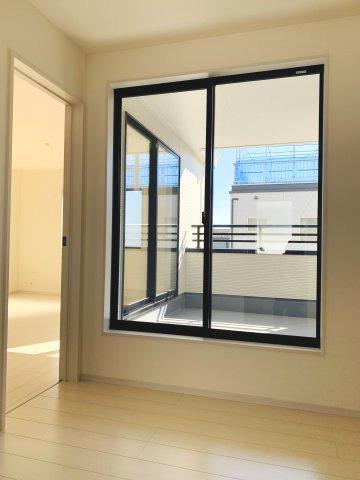 【同仕様施工例】WICがあるお部屋です。すっきり片付けられます。