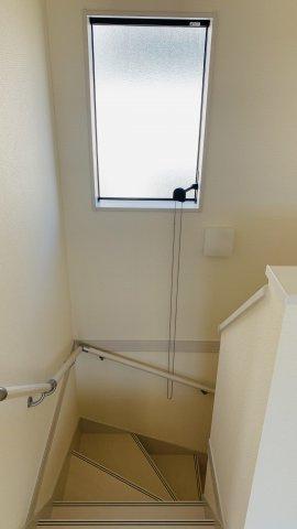 【同仕様施工例】2階5.34帖 窓から差し込む光であたたかく気持ちよく過ごせそうですね。