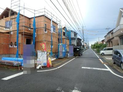 【前面道路含む現地写真】狭山市水野・全2棟 新築一戸建 2号棟