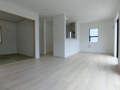 【居間・リビング】土浦市東真鍋町第4 新築戸建 全2棟