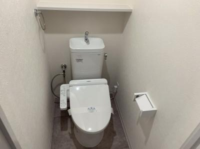 コンパクトできれいなトイレです。