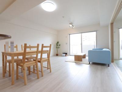 ゆったりとした居間です 吉川新築ナビで検索